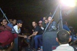 Polda Jatim gerebek dua tempat judi di Surabaya