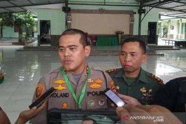 Dua orang dicurigai sempat diamankan polisi saat Wapres di Cirebon