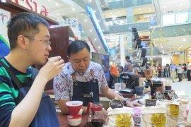"""Pelajar Indonesia andalkan kopi dalam """"Nanjing International Consumer Good Expo"""""""