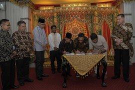 Gubernur Aceh berharap program kemitraan diterapkan di kabupaten/kota