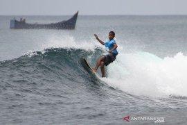 Pemerintah promosi potensi ombak Aceh melalui kejuaraan selancar