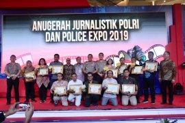 Dua pewarta LKBN ANTARA raih gelar di Anugerah Jurnalistik Polri 2019