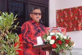 Hasto sampaikan pesan Megawati saat meresmikan kantor PDIP Purwakarta