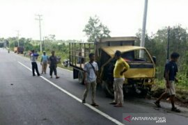Satlantas Polres Bangka Barat evakuasi mobil kecelakaan tunggal