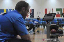 Rian Lalisang gagal rebut piala Bowling World Cup  Page 2 Small