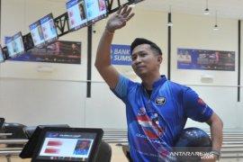 Rian Lalisang gagal rebut piala Bowling World Cup  Page 1 Small