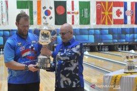 Rian Lalisang gagal rebut piala Bowling World Cup  Page 4 Small