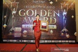 "Istri Bupati Gianyar raih ""Best Women in Profesional"" di Jakarta"