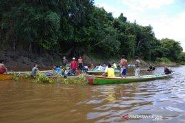 Mayat Siti Jahara ditemukan 100 meter dari lokasi tenggelam