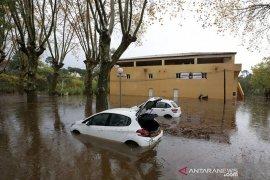 Helikopter tim penyelamat jatuh di Prancis,   tiga orange ewas