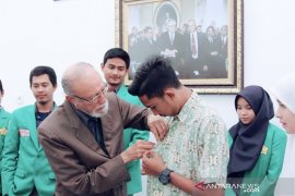 SMAN 3 Banda Aceh dan UIN Ar-Raniry diberi penghargaan anugerah Wali Nanggroe