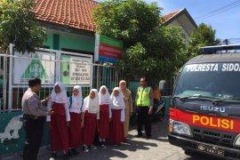 Antisipasi penculikan, Polresta Sidoarjo siagakan personel di sekolah