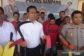 Polisi tangkap enam pemilik senjata tajam saat pilkades ricuh di Sampang