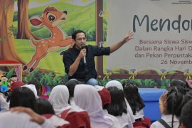 Mendikbud Nadiem sebut mendongeng latih imajinasi anak