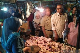 Harga kebutuhan pokok mulai ada yang naik di Pasar Kiaracondong