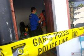 Polisi Tulungagung evakuasi jenazah wanita meninggal di kamar indekos