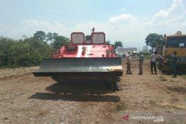 PT Pindad siap produksi tank pemadam kebakaran hutan di segala medan