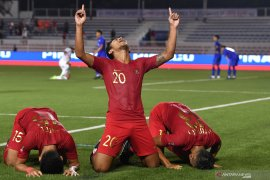 SEA Games : Sepak bola dan polo air sama-sama lawan Singapura