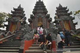 Kenalkan keberagaman agama dan budaya Indonesia Page 3 Small