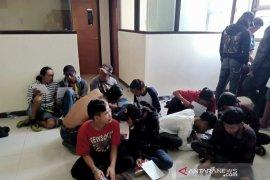 Polda Jabar tangkap 44 preman di Bandung