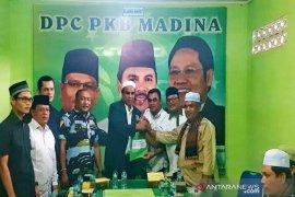 Ja'far Sukhairi kembalikan berkas pendaftaran bakal calon bupati ke PKB