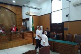 PN Jaksel vonis Nunung dan suami  1,5 tahun penjara