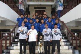 Ibnu Sina lepas Atlet Futsal SMADA ke Thailand