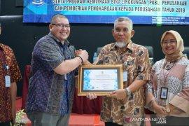 Apresiasi Program CSR, Pemprov Babel beri penghargaan untuk PLN Babel