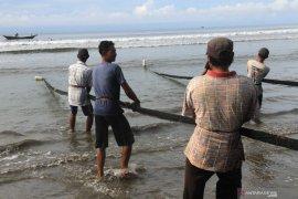 """DKP Mukomuko beli jaring pengganti """"trawl"""""""