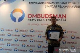 Sekadau terima penghargaan predikat kepatuhan tinggi dari Ombudsman RI