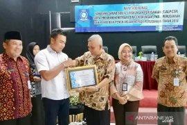 Gubernur Babel berikan penghargaan kepada AP II Bandara Depati Amir