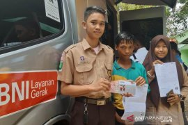 BNI Pontianak sambangi langsung siswa penerima Program Indonesia Pintar