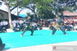 """Pendekar silat """"bertarung"""" di Harlah Al Washliyah Tanjungbalai"""