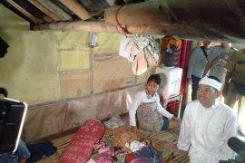 Direlokasi, empat keluarga terdampak abrasi pantai Karawang