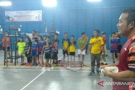 Mantan juara dunia identifikasi  bakat atlet badminton di Gunungsitoli