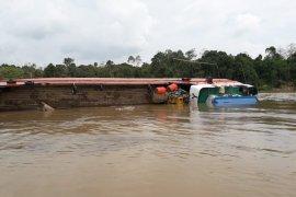 Dua korban kecelakaan kapal LCT Mutiara 77 ditemukan meninggal