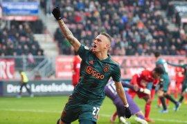 Liga Belanda, tiga gol Noa Lang bawa Ajax taklukan Twente 5-2