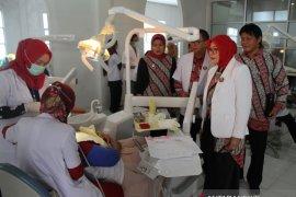 Angka karies gigi tinggi, dokter di Aceh beri pengobatan gratis