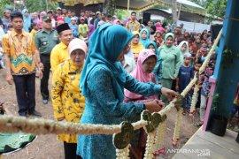 Bupati resmikan 10 rumah warga Anjir Pasar