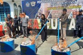 KPPBC TMPBC Ambon musnahkan ribuan rokok dan minuman ilegal