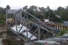 Jembatan Air Nipis Bengkulu Selatan ambruk