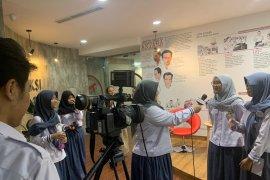Siswa Sekolah Karakter belajar menjadi jurnalis di Kantor Berita Antara