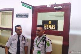 Ruang kerja Hakim PN Medan yang tewas diperiksa