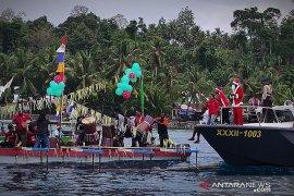 Sambut Natal, Santa Clause sapa warga pesisir Manokwari