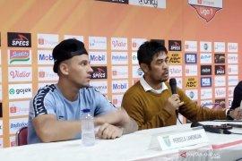 Liga 1: Kalahkan Persib, Nil Maizar ingatkan pemain Persela tak sombong