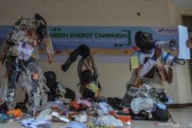 Menteri  Nadiem Makarim larang penggunaan plastik di lingkungan Kemendikbud