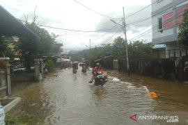Sejumlah daerah di Singkawang mulai banjir