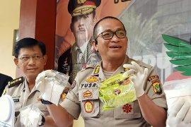 3,2 kilogram sabu-sabu disita polisi dari pelaku yang ditembak mati