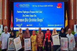 """Antara awards five """"South Kalimantan Amazing Women"""""""
