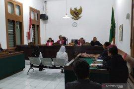 Mantan Kepala dan Bendahara UPT RSUD Lembang divonis penjara 6,5 tahun dan 8 tahun